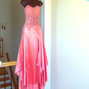 No brand sz 4 pageant prom formal gown coral dress